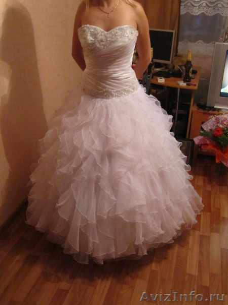 Продам шикароне свадебное платье , недорого!!! в Уфе, продам, куплю, всякая всячина в Уфе - 376943, ufa.avizinfo.ru