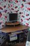 Угловой компьютерный столик